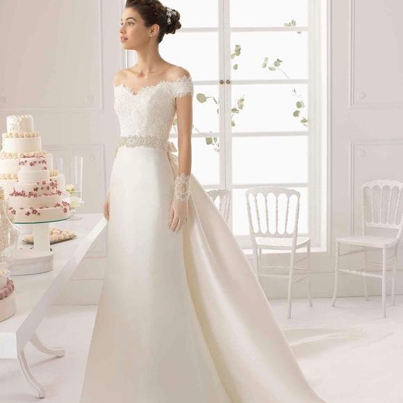 Aire Barcelona Argelia style wedding dress